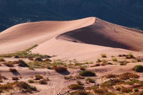 pink-sand-dunes-65310_640